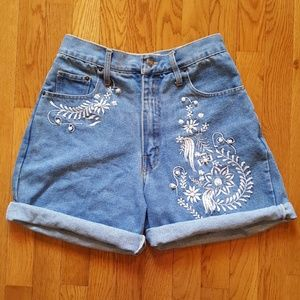 Vintage 90's High Waist Embroideted Jeans Shorts